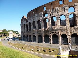lateral com Arco de Constantino