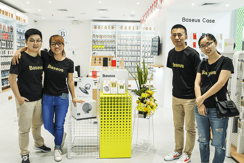 Inside the store with (left) Nickary Dai ,Vivian Wong, Brian Wong , PingPing Yant