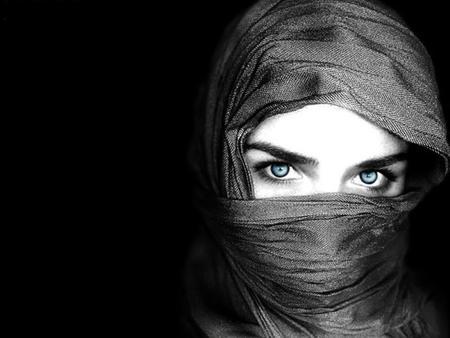 حكم و أمثال عن المرأة من كل بلاد العالم