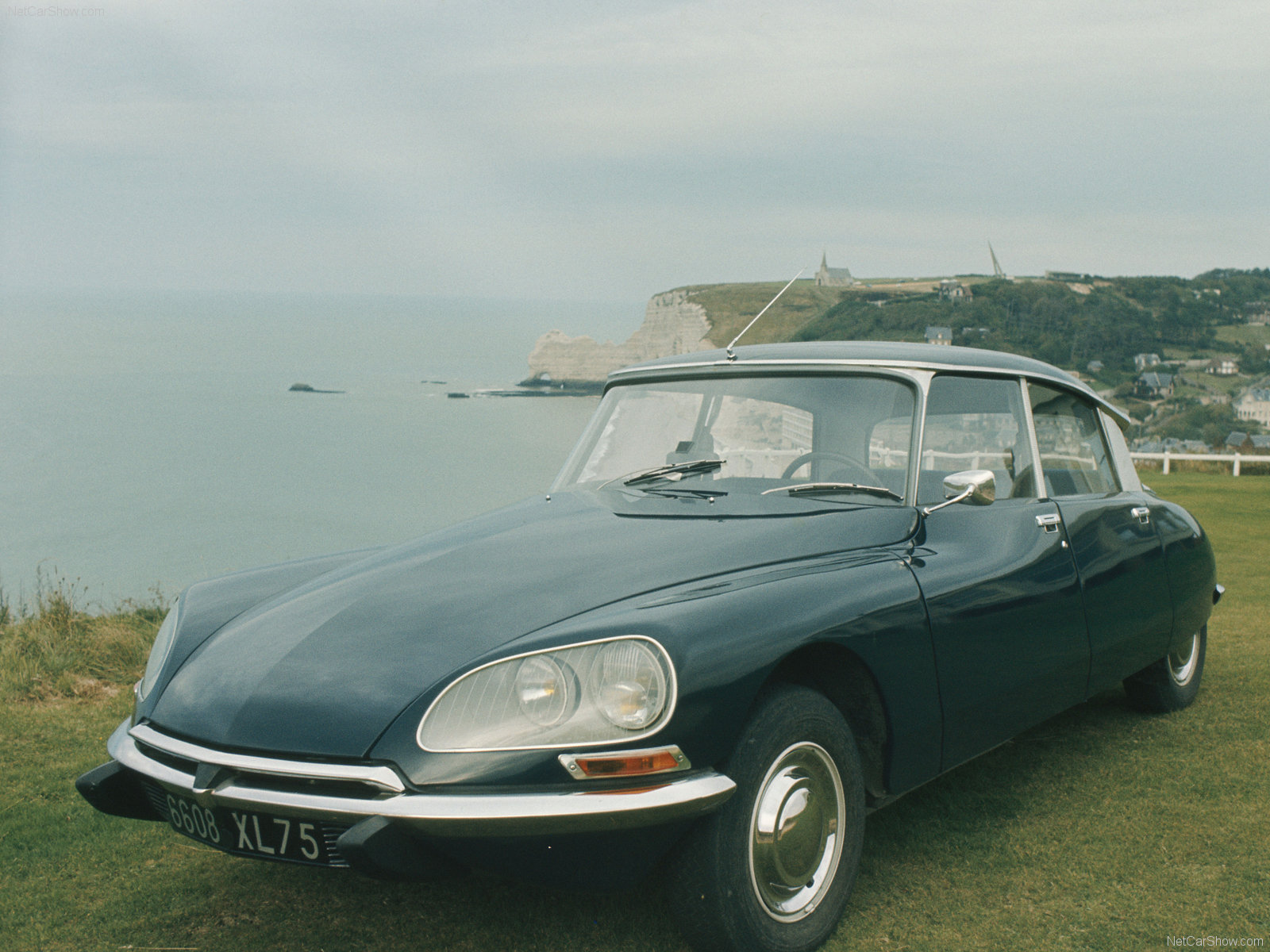 classic car posters citroen ds