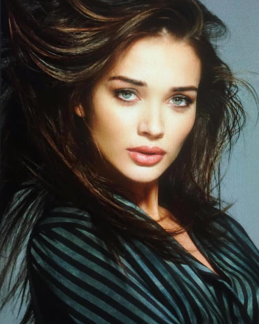 Actress Amy Jackson New Photos