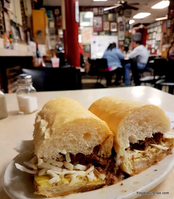 Poboy, sanduíche típico de Nova Orleans