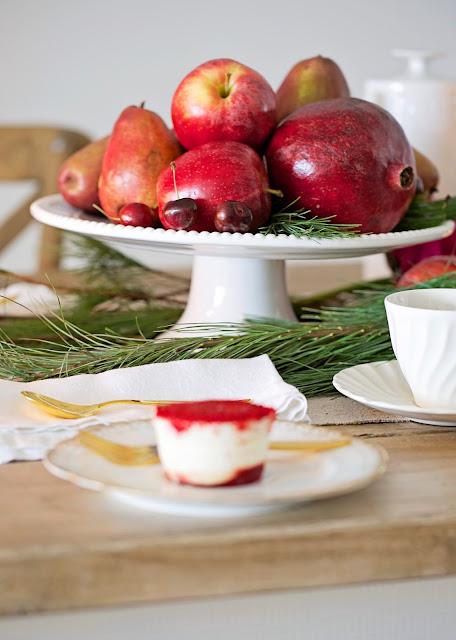 christmas-centerpiece-apples