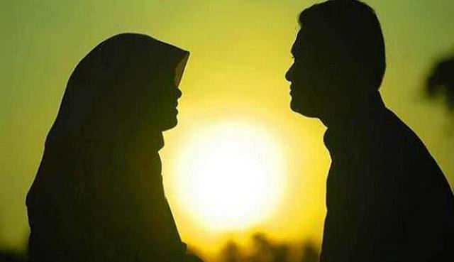 Curhat pada Suami Orang, Apa Hukumnya?