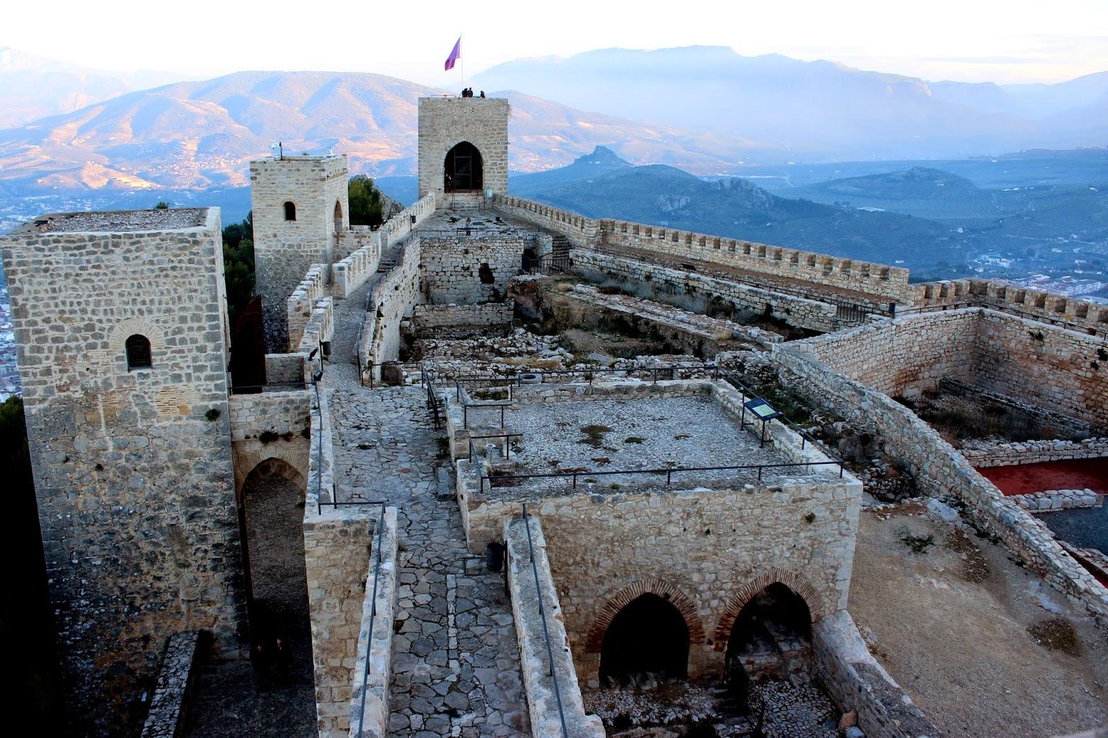 Torres del castillo de santa Catalina. Torre de Vela