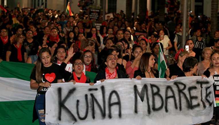 Mujeres en Santa Cruz, Tarija , Cochabamba y La Paz marcan el inicio de movilizaciones contra el régimen