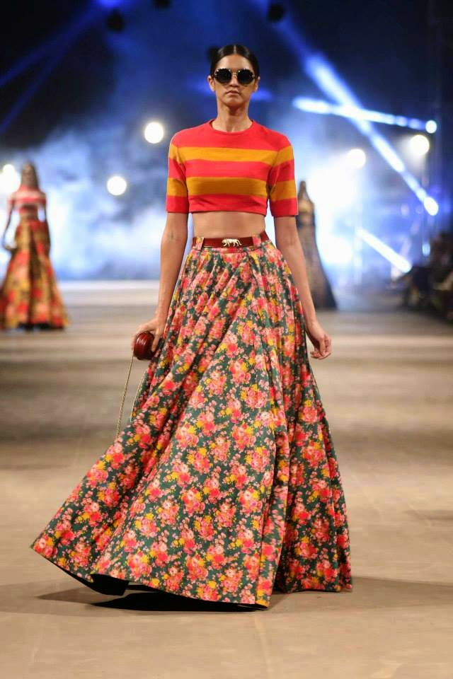 Sabyasachi Mukherjee Lakme Fashion Week Summer Resort 2015 Stylish By Nature By Shalini Chopra India Fashion Style Blog Beauty Travel Food Bollywood