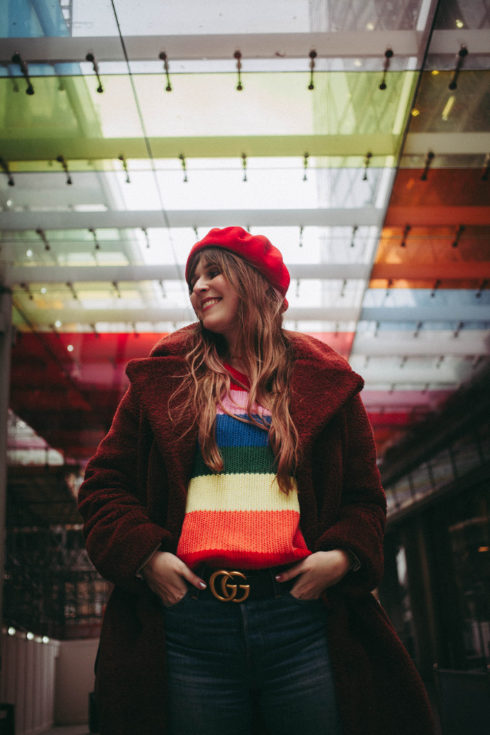 Travel: rainbow sweater in Westminster, London