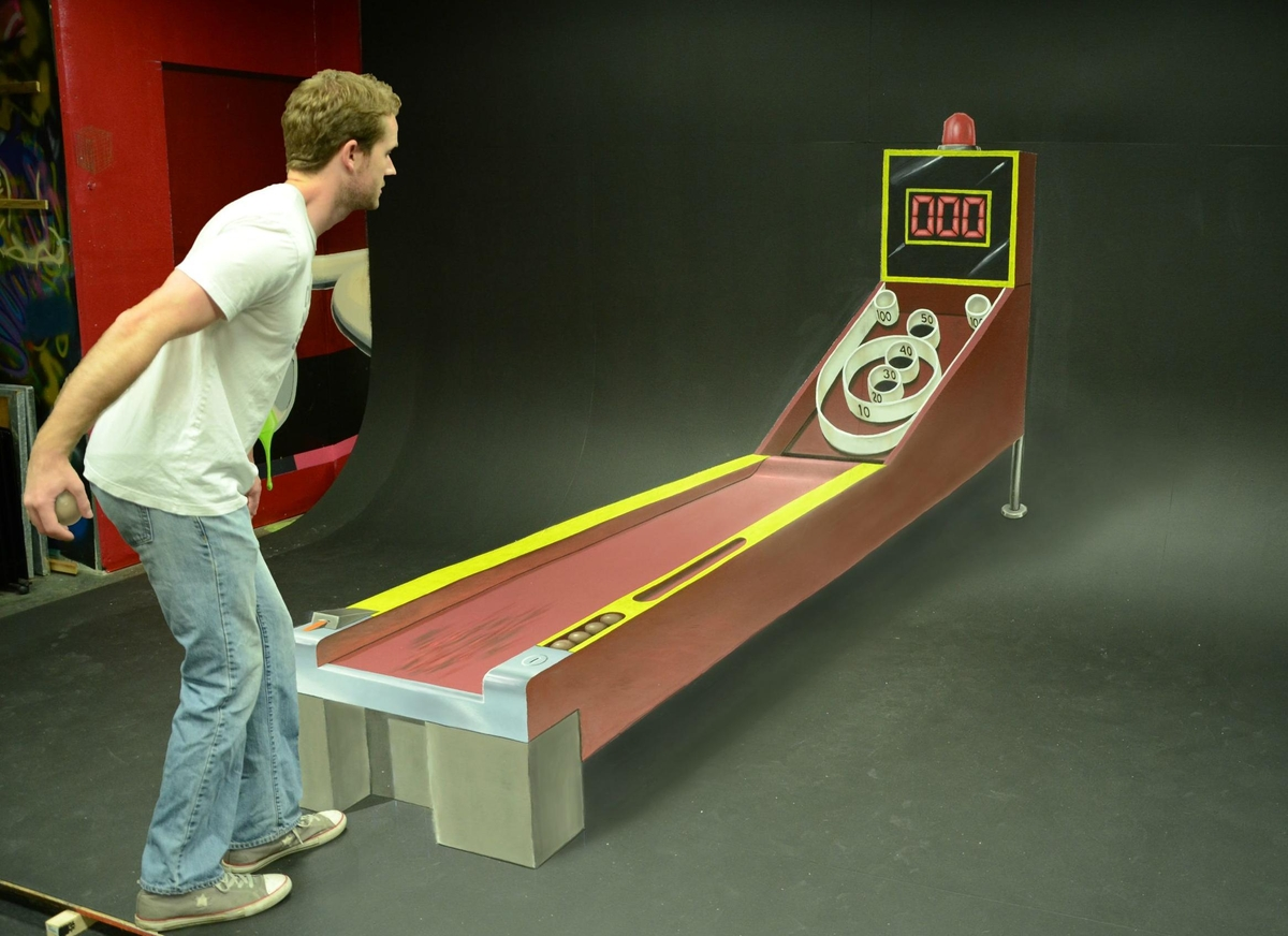 09-Skee-Ball-Chris-Carlson-3D-Street-Art-Drawings-and-Paintings-www-designstack-co
