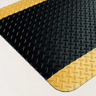 Greatmats custom anti fatigue mats diamond plate yellow borders