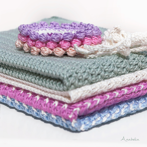 Reversible crochet pillow, cable chessboard stitch, by Anabelia Craft Design