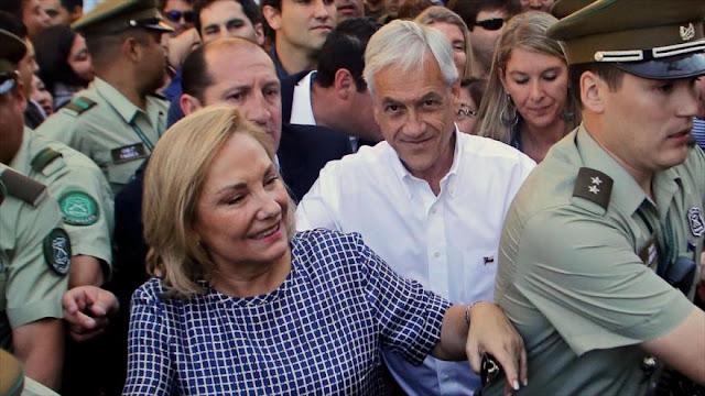 Comparan a Piñera con Trump por el irrespetuoso trato a su esposa