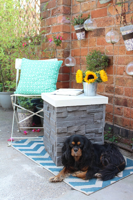 diy small garden side table made from tiles