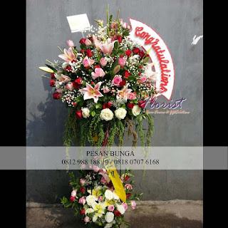 standing flowers pernikahan, toko bunga jakarta, florist jakarta selatan,