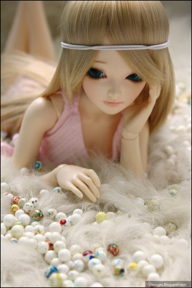 Sad Quotes Wallpapers In Urdu Doll Alone Cute Sad Bed Girl