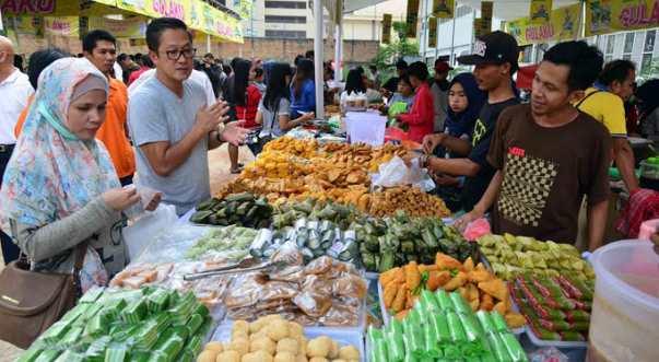 Pasar Kaget Khas Ramadhan di Indonesia