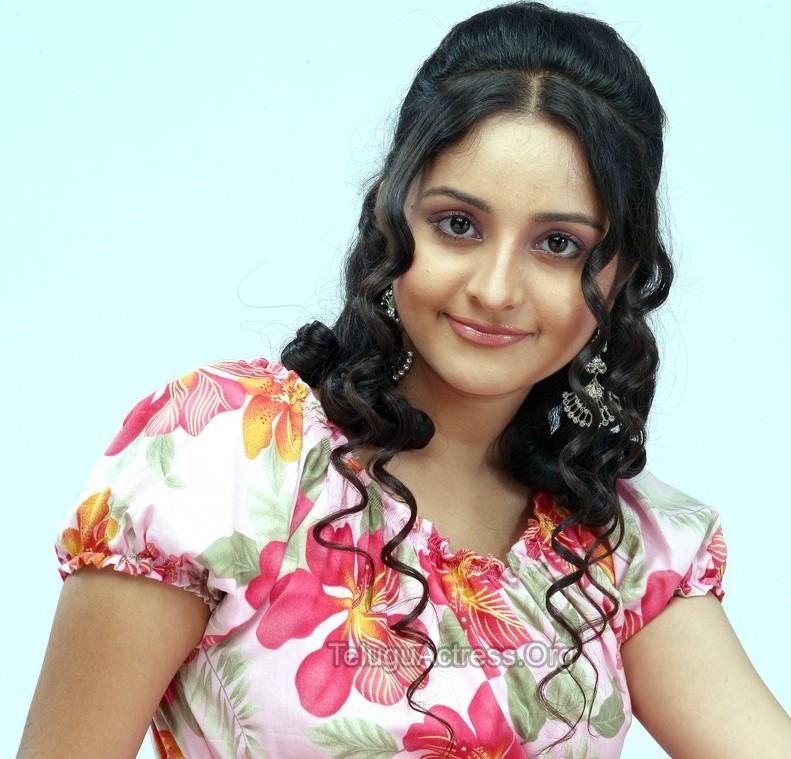 Malayalam Sexy Film Actress Bhama In Modern Dresses  Film -9517
