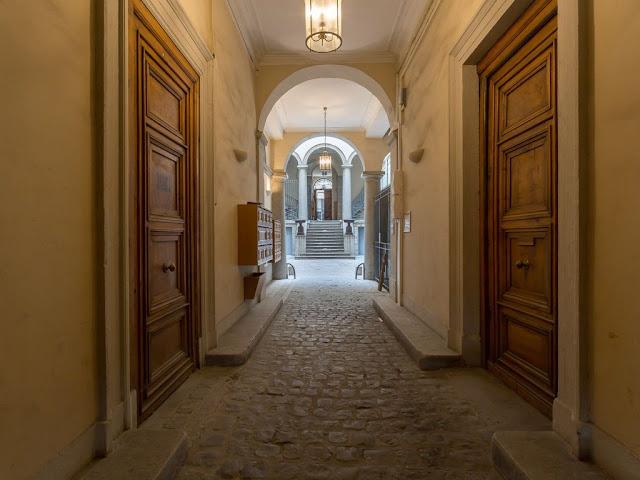 Visite guidée de Lyon n° 4.  Les traboules de la rue Royale