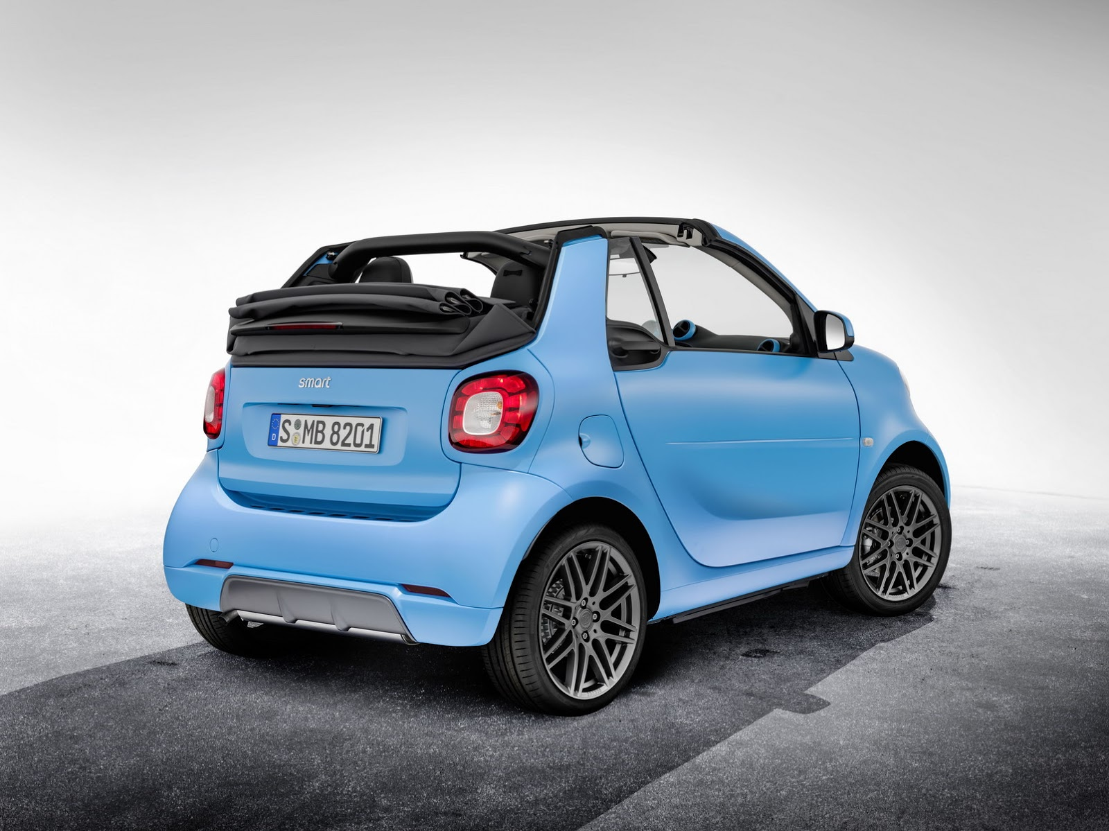 brabus packages up smart fortwo forfour still no. Black Bedroom Furniture Sets. Home Design Ideas