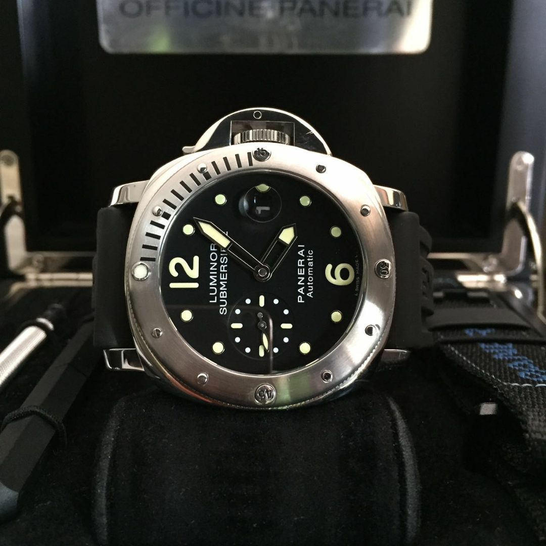7a11c9684dd STRAP  BLACK RUBBER EXTRAS VELCRO GLASS  SAPPHIRE CRYSTAL FUNCTIONS  TIME  AND DATE
