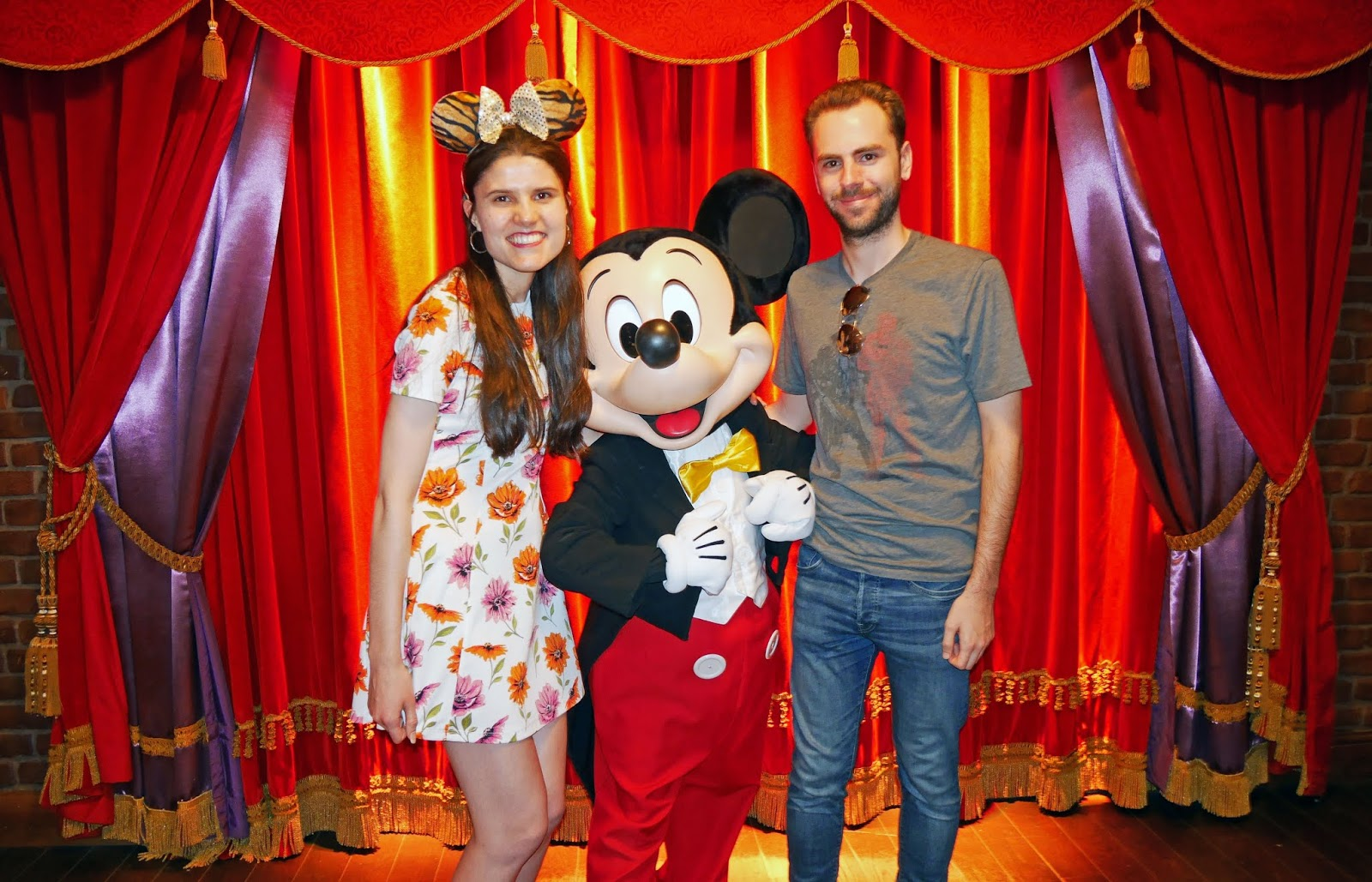 Meeting Mickey Mouse at Disneyland Paris