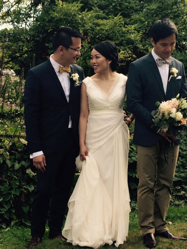 Vancouver beauty and lifestyle blogger Solo Lisa tied the knot with her longtime beau with an intimate ceremony in the Stanley Park rose garden, followed by a dinner reception at Chambar.