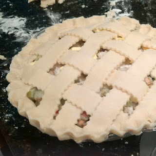 rhubarb pie: QuiltBee