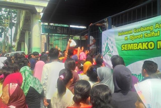 Relawan Djarot Jualan Sembako Murah, Pengamat: Cara Paling Kotor untuk Beli Suara Rakyat