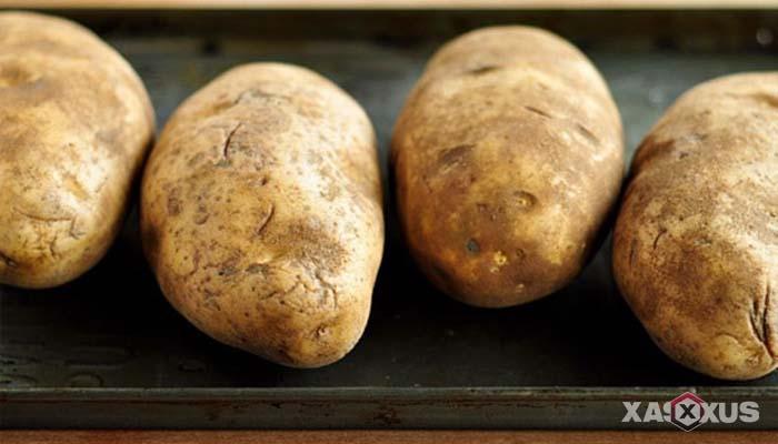 Cara memerahkan bibir dengan kentang