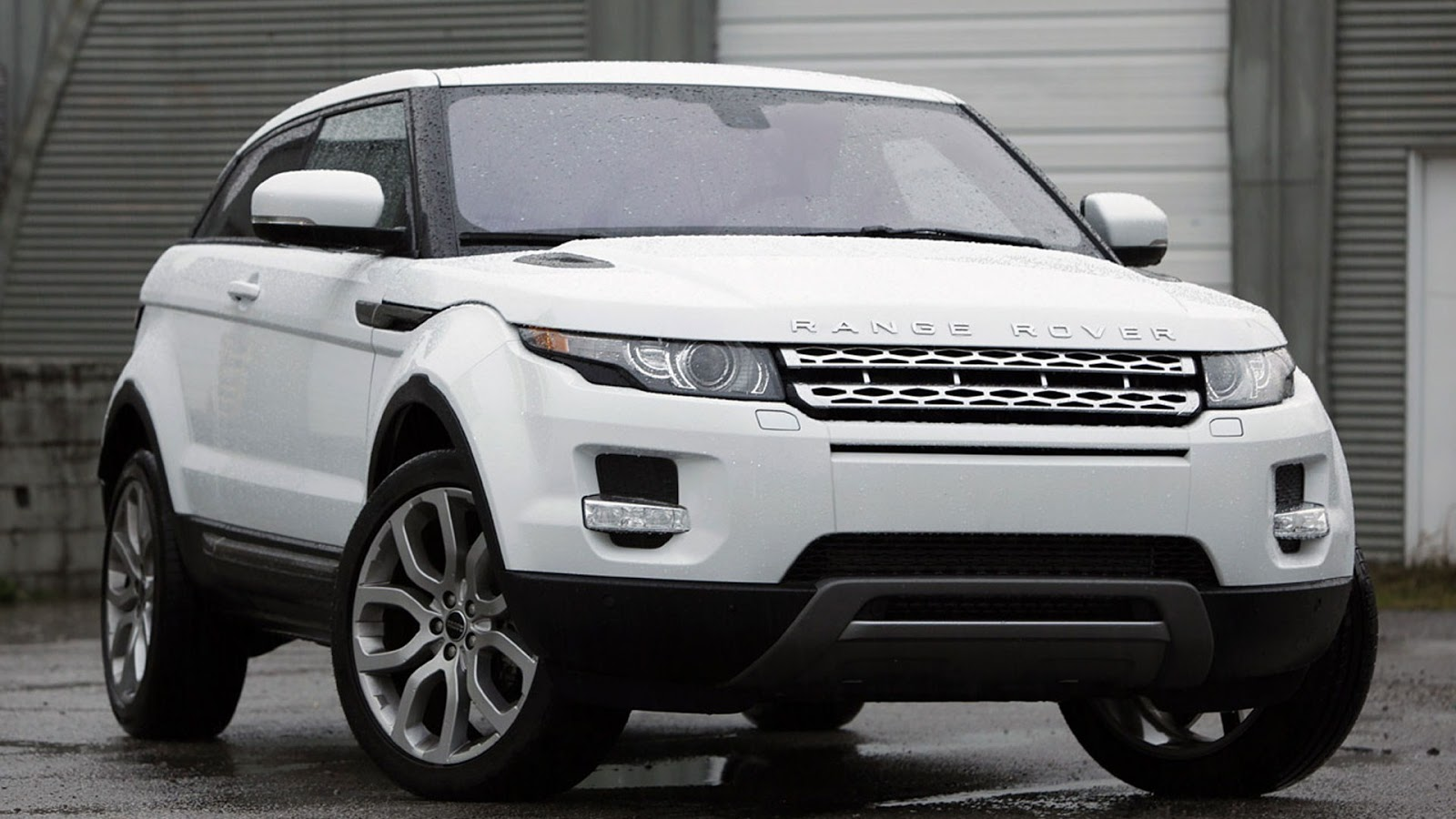 2014 range rover evoque sport car review auto emb. Black Bedroom Furniture Sets. Home Design Ideas