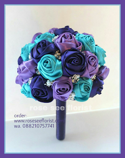 Hand Bouquet Satin