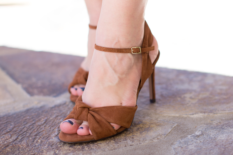 BROWN SUEDE SANDALS BANANA REPUBLIC