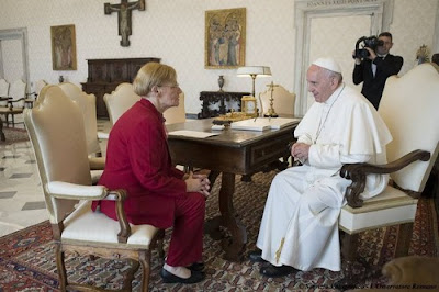 Pope Francis talks with Lidia Guerrero, the Argentine mother of a man on death row in Texas