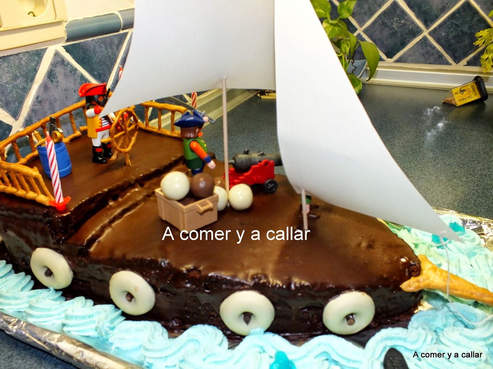 ilusin le puse toda la del mundo y mscasi que he disfrutado yo ms preparando la tarta y pensando en la carita que pondra cuando la viese que l