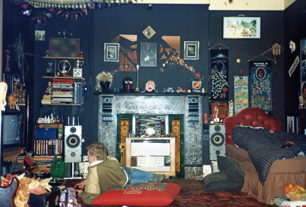 33 cool photos of '80s teenagers in their rooms  vintage