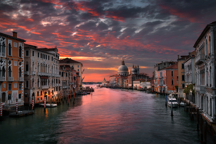 The 10 Most Amazing Watery Wonders Around The World - Venice (Italy)