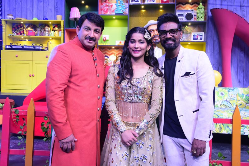 Manoj Tiwari with Remo D'Souza and contestant Vartika Jha on Dance +4