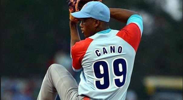 """""""Es como para preguntarse si Antonio Becali, presidente del INDER, conoce del caso de Yenier Cano, un lanzador de Ciego de Ávila que tuvo la honestidad de pedir la baja del béisbol cubano"""" Duda de un seguidor del beisbol cubano"""