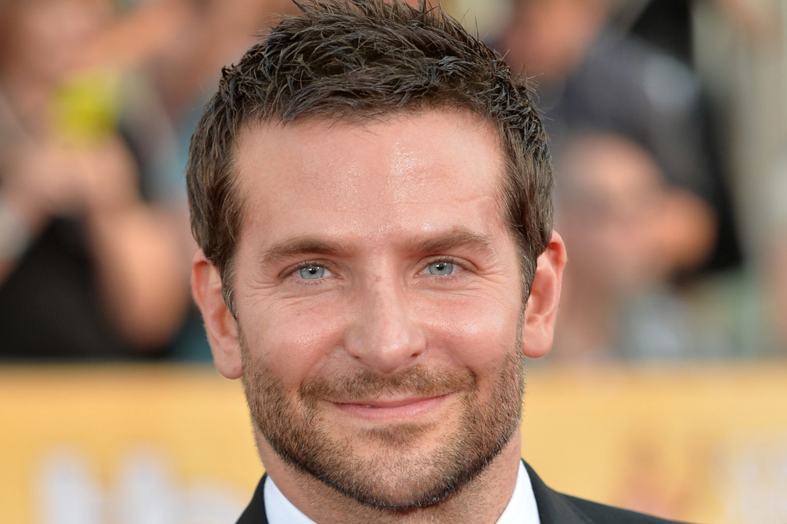 42 Good Looking Bradley Cooper Hairstyles Hairstylo