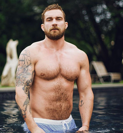 It's a gorgeous day here in Las Vegas! Spending time out by the pool today reminded me to check in on my favorite InstaHunks.  Let's start out with woofy Alex Abramov who looks to be spending time poolside in the Hamptons, I'm gonna guess.