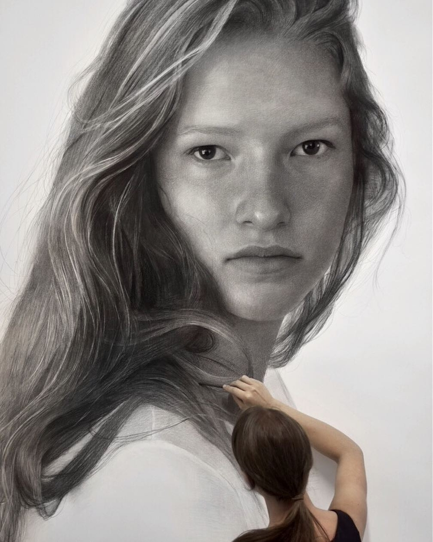 04-Clio-Newton-Enormous-Gigantic-Realistic-Charcoal-Portraits-www-designstack-co
