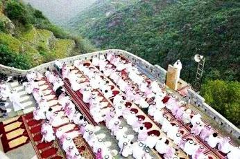 Ahmad Sanusi Husain Com: Eid Al-Fitr Prayers Around The World