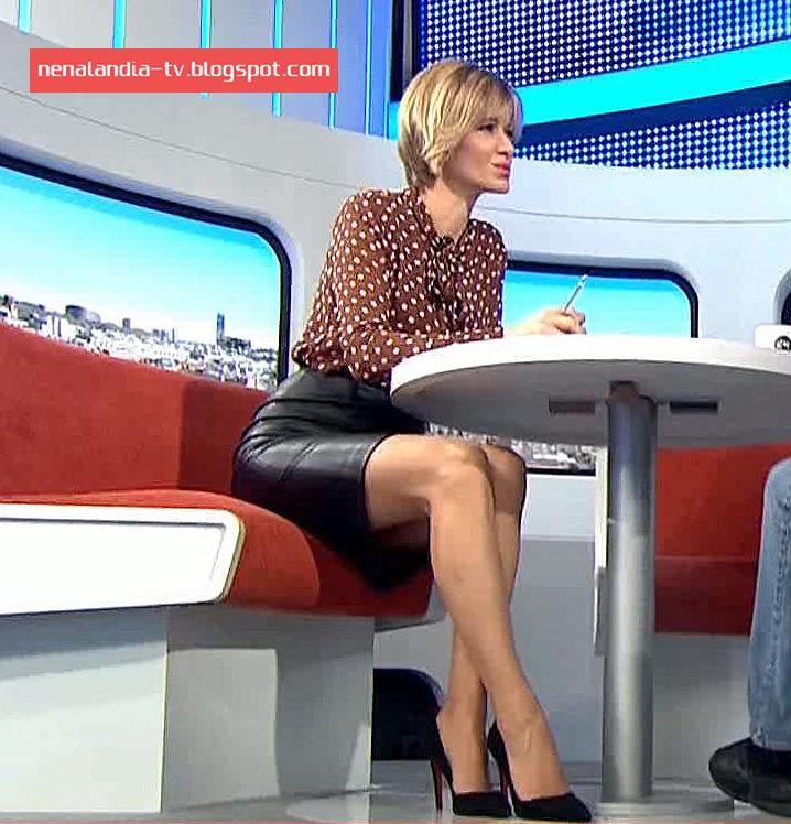Nenalandia tv susanna griso 30 11 16 falda cuero Ver espejo publico de hoy
