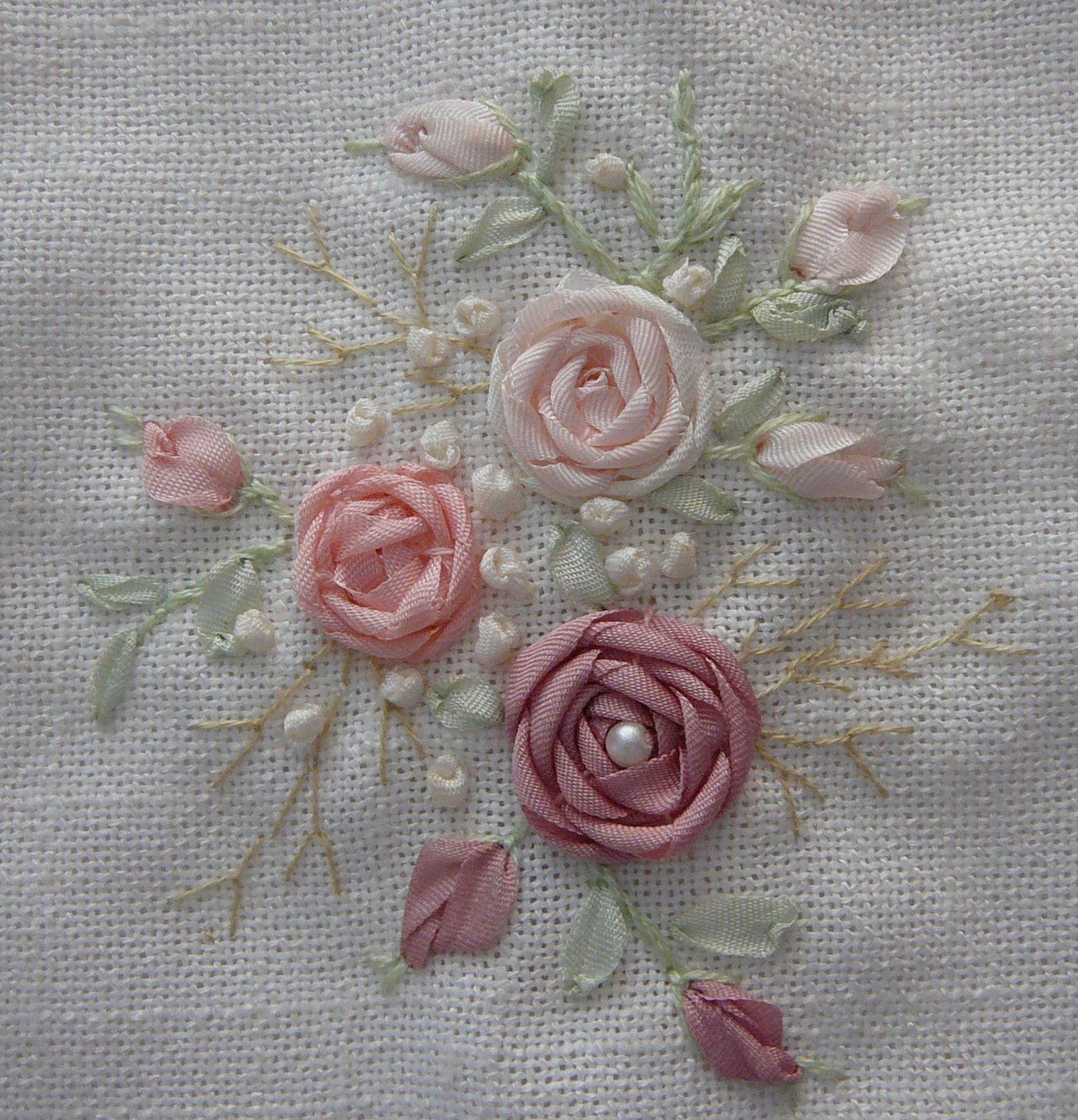 Silk ribbon embroidery french knots in sre