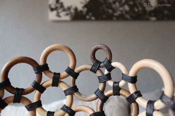 raumfee die gardinenringe werfen sich in schale. Black Bedroom Furniture Sets. Home Design Ideas