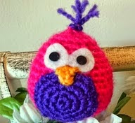 http://awesomeneedles.blogspot.com.es/2015/04/amigurumi-pollito-video-tutorial.html