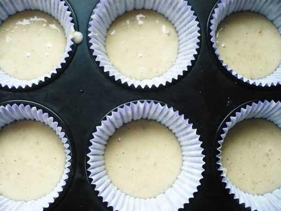 Low calorie blue berrie cupcake