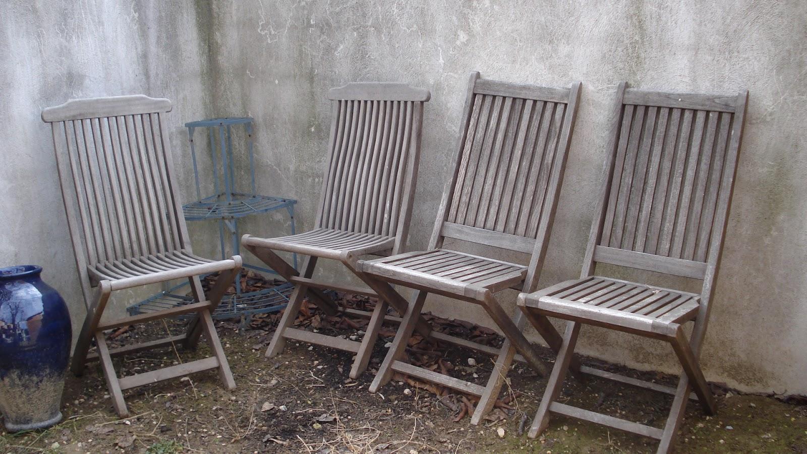 nini vide sa maison vendues 4 chaises de jardin en bois exotique. Black Bedroom Furniture Sets. Home Design Ideas