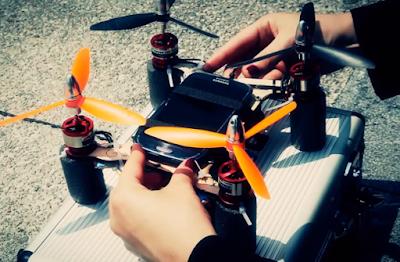 Flone si Drone ber Smartphone - OmahDrones