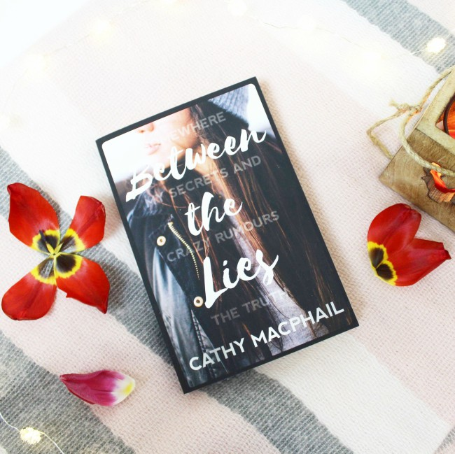 Review of 'Between the Lies' by Cathy MacPhail*